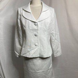 Monroe & Main Remi Jacquard Skirt Suit